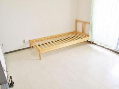 【寝室】ボイス・デ・ムドン