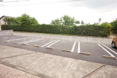 【駐車場】グランフレーズ