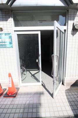 【エントランス】ヤマモトマンション