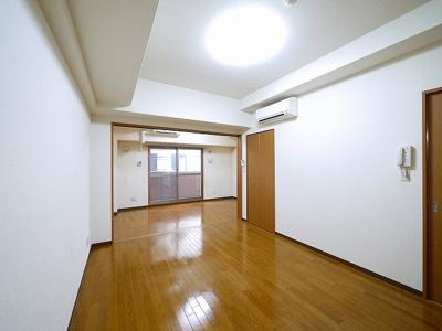 こちらの居間で趣味の時間をお楽しみください