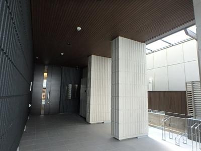 【エントランス】メゾン・イセキス甲子園口
