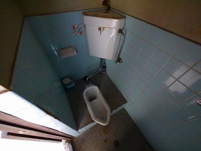 店舗部分のトイレです