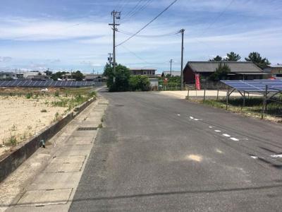 【前面道路含む現地写真】津市香良洲町