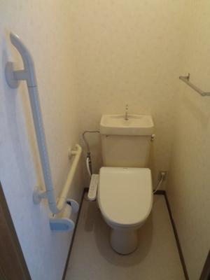 温水シャワートイレ付き