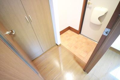 【玄関】レストヴィラージュ A棟