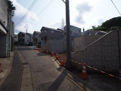 【前面道路含む現地写真】保土ヶ谷区仏向町全23棟 新築戸建て