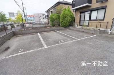 【駐車場】フォーレスタカオカ