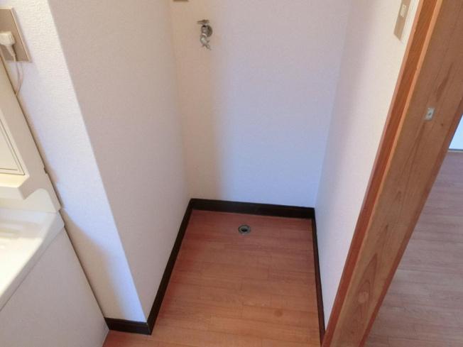 和田マンション 洗濯機置場(室内)