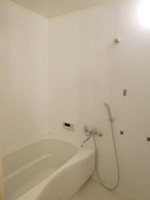 追い焚き付きバスルーム