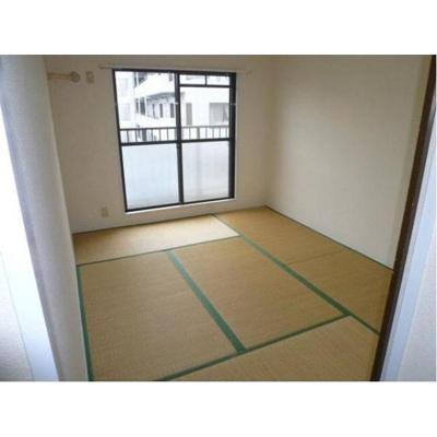 山本マンションの和室
