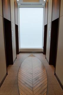 エレベーターホール 低層階用、高層階用に 分かれております
