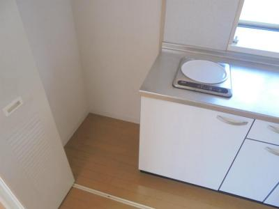 キッチン横スペース 冷蔵庫置場