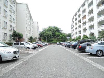 【駐車場】横浜ハイタウン1号棟