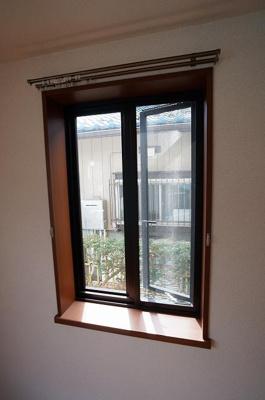 今回は中部屋になりますので、出窓はございません。