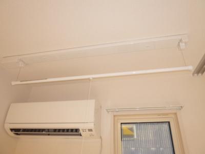 エアコン、室内物干し