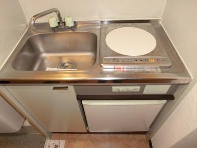 キッチンは1口タイプのIHコンロ