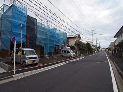 【前面道路含む現地写真】保土ヶ谷区仏向町全2棟 新築戸建て