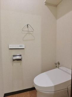 温水洗浄便座付きタンクレストイレ(リモコン付)