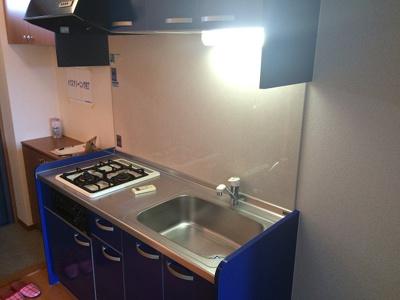 キッチンの横に冷蔵庫を置けます