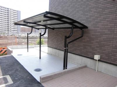 屋根付駐輪場無料です