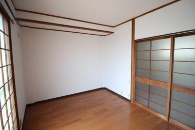 洋室6.0帖 南向きの明るいお部屋です♪