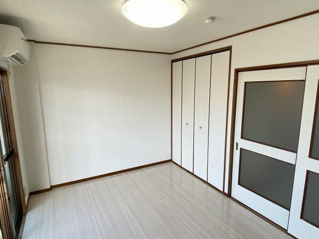 JPアパートメント柏原 洋室