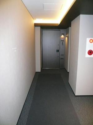 オープンレジデンシア青山ザ・ハウス 内廊下