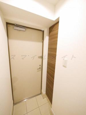 広々とした明るい玄関・たっぷり入るシューズボックス付きです。