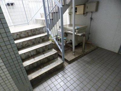 ウインドコート松波の階段