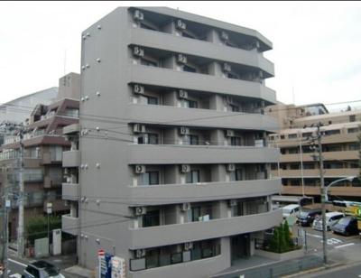 綺麗な外観、鉄筋コンクリート造のガッチリとした建物。
