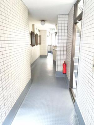 中野ニューハイツ 共用廊下