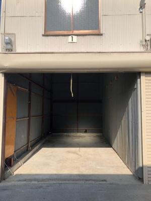 【洋室】池田市八王寺1丁目シャッター付きガレージ