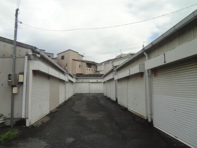 【外観】鉢塚1丁目シャッター付きガレージ