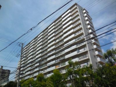 山陽西代駅、地下鉄新長田駅、地下鉄海岸線新長田駅、神戸市バスがあり、大変便利