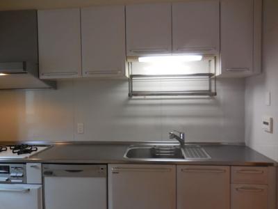 たっぷり収納、大変綺麗なキッチンです