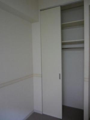 各お部屋に収納が完備されています