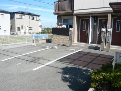 敷地内駐車場ございます。
