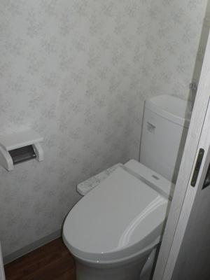 温水洗浄便座つきです