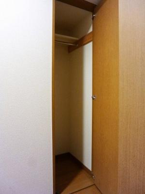 ラクラス田原町の玄関クローゼットです