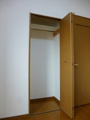 ラクラス田原町の洋室クローゼットです