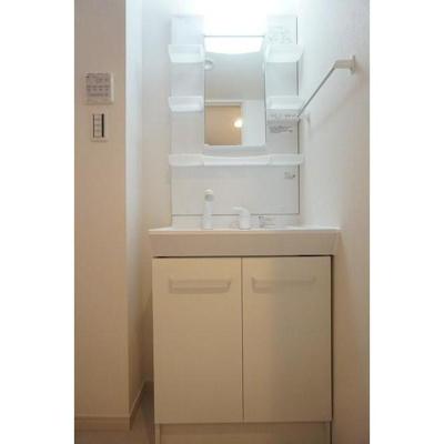 リブリ・西千葉の洗面台