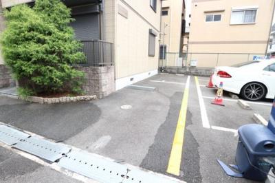 【駐車場】シャーメゾン茨木