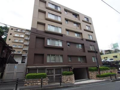 2路線利用可能、便利な立地の総戸数58戸のマンションです。