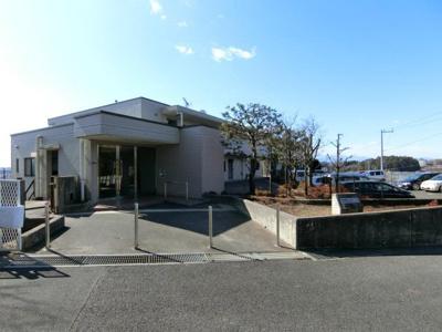 小田急線「新百合ヶ丘」駅にアクセス可能な最寄りバス停より徒歩7分です!ピアノの弾ける4階建てマンション☆