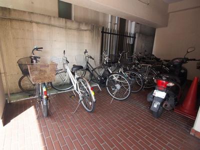 大切な自転車を雨風から守れる屋内置き場