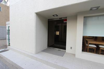 【エントランス】ディーマークビルディング五橋駅前
