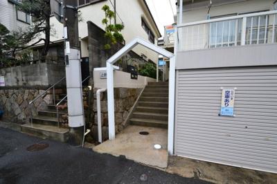 【エントランス】メゾンフェリス上野