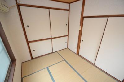 【寝室】ホワイト・マンション