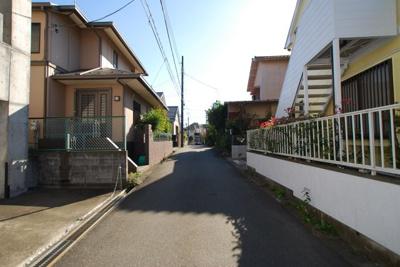 【前面道路含む現地写真】東村山市青葉町2世帯住宅