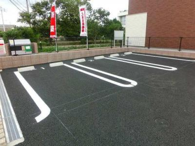 【ネオ・ウーノ】は敷地内駐車場空きあり!